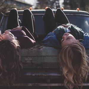 情緒不安定な友人との距離・・