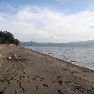 我入道海岸で砂遊び☆雨の沼津港でお散歩