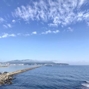 海の青と空の青