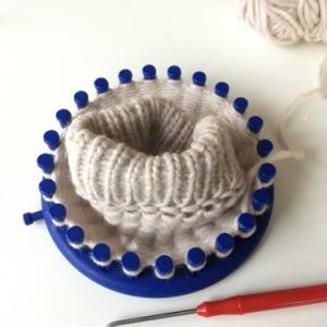 Loom knitting – 犬の散歩用ハンドウォーマーを作る