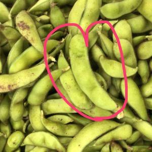 枝豆4つ、シェアしてみんなでハッピー🤞