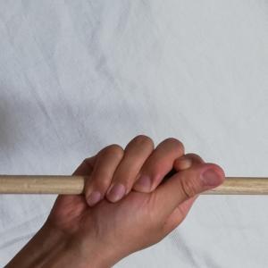 日本人女性と白人男性の手の握り方の違い