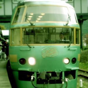 【九州・大分】極上の列車旅が楽しめる「特急ゆふいんの森」に乗ってみよう!