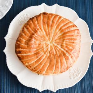 おいしっくすの王様のケーキ!りんご入りガレット・デ・ロワ