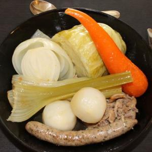 食欲の秋が来た。冬に備えてポトフの簡単レシピ:ストウブのココット鍋でコトコト煮込んだポトフで野菜の滋味を存分に召し上がれ。