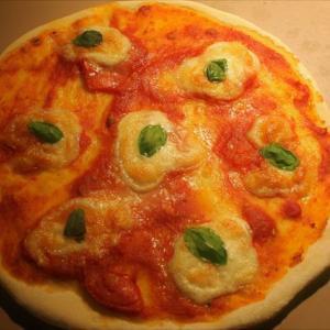 超簡単なのに絶品ピザソースのレシピ!旬のトマトの新鮮な香りと味わい、酸味までも丸ごと堪能し尽くす。