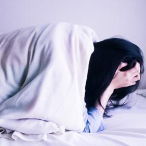老化や生活習慣病の原因に、寝てもとれない疲れは脳疲労かも