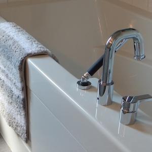 日本では「お風呂で溺死する」人が多い 入浴時の「ヒートショック」意外な原因と対策は