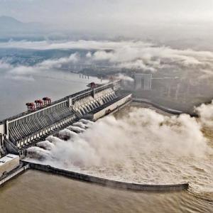 中国の三峡ダムより九州の水害を報じる、中国報道は「ポジティブエネルギーがいっぱい」