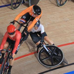 勝者・敗者のつぶやき 自転車・梶原悠未、落車をチャンスに変え『銀』