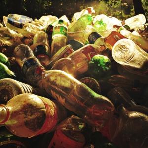 フィリピンでのココナツ酒密造酒問題で浮き彫りになる海外での未登録アルコール飲料の販売