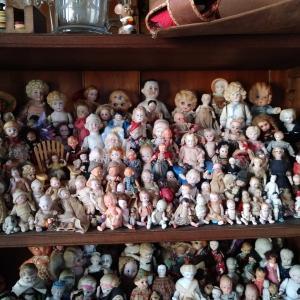 オールビスク人形のコレクションにびっくり!