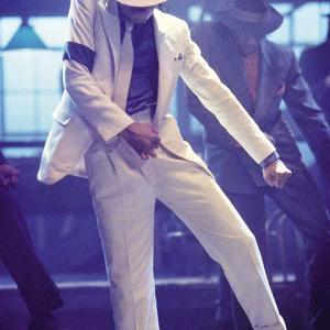 「マイケルジャクソンと武井壮」成長痛と痛み改善専門 【ひろメディカルケア】