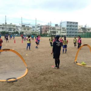 高校女子と中学女子の少人数制サッカー