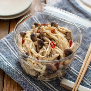 きのこのピリ辛ナムル。レンジで簡単!副菜、あと一品のおかずに。【農家のレシピ帳】