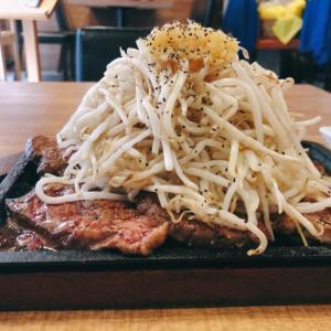 東新宿のハラペコステーキ新宿本店のメニューにまさかの二郎系インスパイアステーキが爆誕 二郎とステーキは果たしてうまく混ざるのか