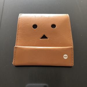アブラサス 薄い財布 ローランド様も称賛