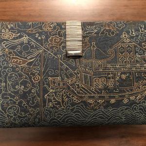 日本 唐船が刺繍された青地紙入れ(江戸後期)
