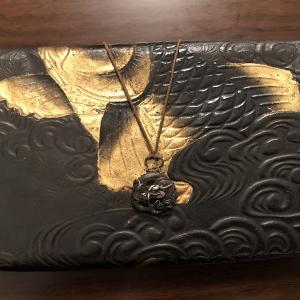日本 「鯉デザイン」の姫路革の懐紙入れ(江戸時代)
