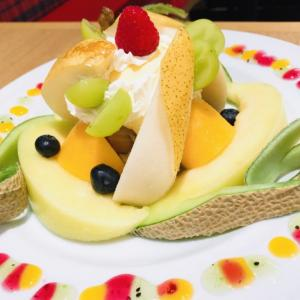 果実園リーベル横浜ランドマークプラザ店で夜カフェ!フルーツパフェは果物がおいしくて幸せ!