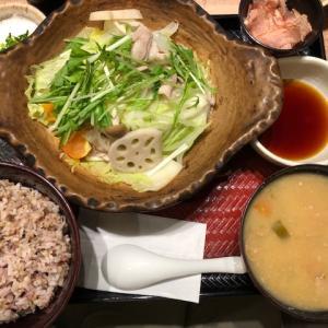 名古屋駅から徒歩5分、大戸屋 ごはん処 広小路柳橋店 に初訪問 野菜と豚の蒸し鍋定食がヘルシーで大満足