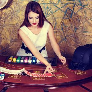 ポーカーのルール解説│対ディーラーと対人、どちらが好み?