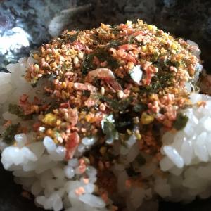 浦島海苔の焼えびふりかけがご飯に合いすぎてたまらん!!