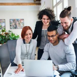 【初心者でも出来る】営業職・事務職からマーケティング職に転職する方法
