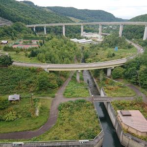 快!つづら折りルートで毛無山!高いの怖い朝里ダム・ループ橋