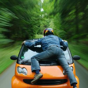 【緊急企画】あおり運転厳罰化!証拠がなければ意味がないドライブレコーダーの種類と人気ドライブレコーダーをご紹介