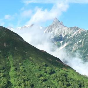 憧れの表銀座縦走!燕岳から大天井岳、常念岳を巡る天空の散歩道。2日目 燕山荘からから常念小屋までの道のり