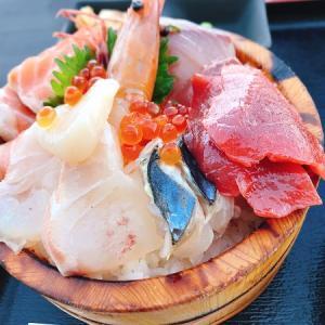 海が見えるレストラン 糸島食堂でテラス席で新鮮な海鮮丼のランチを堪能!