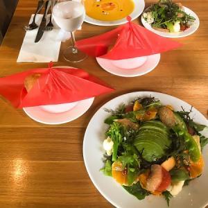 中央区赤坂のpapparayrayおしゃれなサラダのランチとデザート