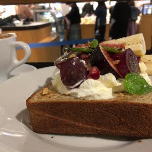 東京駅のベーカリーカフェ「ガーデンハウスカフェ」のトーストがおいし過ぎてその場で食パン買っちゃった♪
