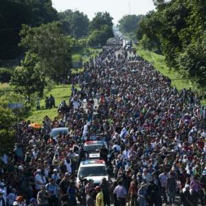 移民キャラバンが再び米国へ