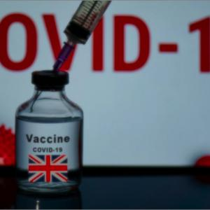 英国首相がワクチンパスポートの完全な実施を発表。どこに入るのにもワクチン接種証明が必要に