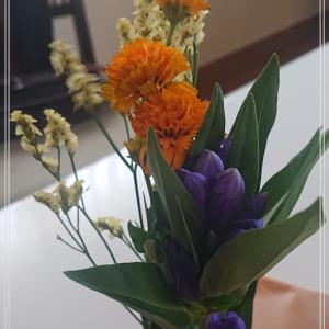 【お花の定期便 bloomee】今日もお疲れ様です*