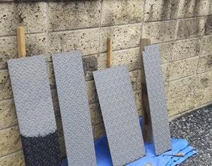 雑排水槽の鉄板のフタを塗装した!