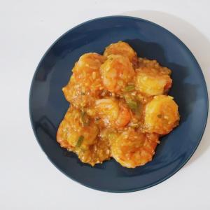 エビチリを作る!ピリッと辛くて、生姜の風味とネギの香りが美味しい
