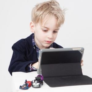 D-SCHOOLオンラインの評判・特長・料金は?マイクラで子供のプログラミング!