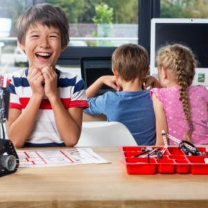 教室に通うのはちょっと待った?自宅学習で子供にプログラミングを学ばせるためのコツとは!