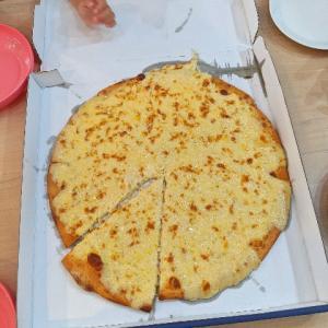 ドミノ・ピザ ニューヨーカー1キロウルトラチーズを食べた!