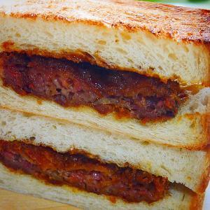 反町コラボのメンチカツサンド~Gorgeの食パン+福富精肉店のメンチ