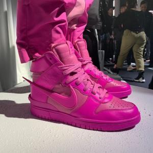 【2月4日(木)発売】AMBUSH × Nike Dunk High Cosmic Fuchsia
