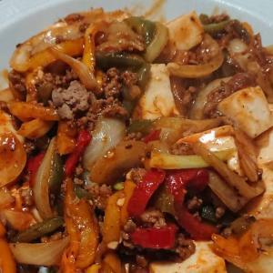 外出自粛の晩飯と翌朝食は・・・麻婆豆腐と麻婆飯にとんかつ定食とカツ丼