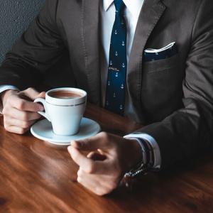 できる営業マンのあなたが副業で情報発信ブログをやるのがおすすめなワケ