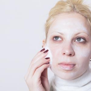 【イヤサカ #肌をメイクする石鹸】毛穴の汚れを取ってもっちり肌へ 内容は?