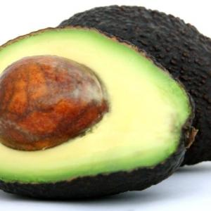 栄養の王様『アボガド』の健康効果 生で食べるとビタミン&不飽和脂肪酸を逃さない!