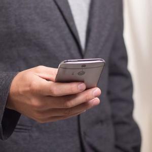 【マッチングアプリ】相手の好意が感じられたら、わざと返事を遅く返すって有効?【2chスレまとめ】