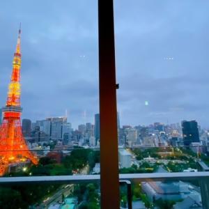 【ザ・プリンスパークタワー東京】空席待ちを特別すぎる客室で過ごした、プレミアムクラブラウンジのカクテルタイム